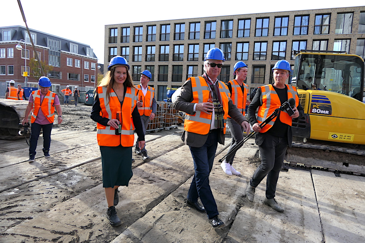 Heipaal X Mijlpaal op bouwterrein van De Meelfabriek - Van der Wiel Bouw